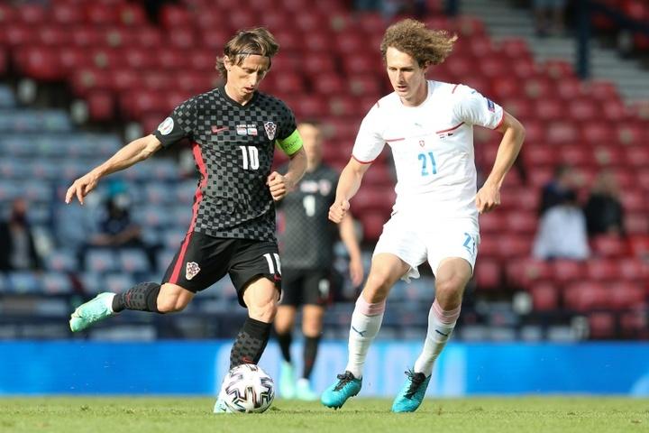 Alex Kral se ha enfrentado a rivales de nivel como Modric. AFP