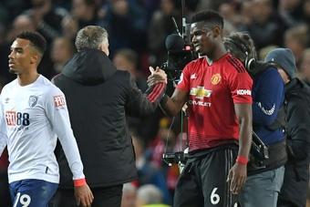 Pogba declinó hablar con Solskjaer tras ser expulsado en el United-Liverpool. AFP