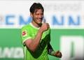 El jugador del Wolfsburgo se expresó en contra de la vacuna en las redes sociales. AFP