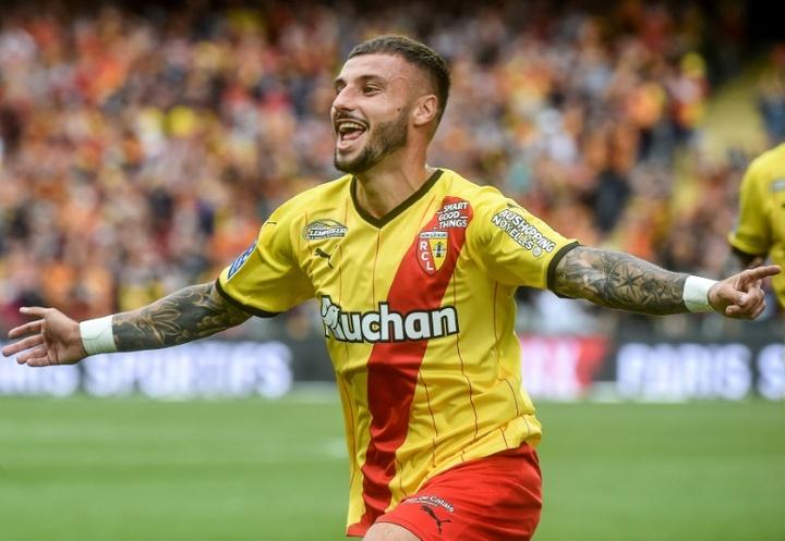 El Lens empató a dos ante el Lorient. AFP