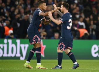 A conexão Mbappé-Messijá rende pontos ao PSG. AFP