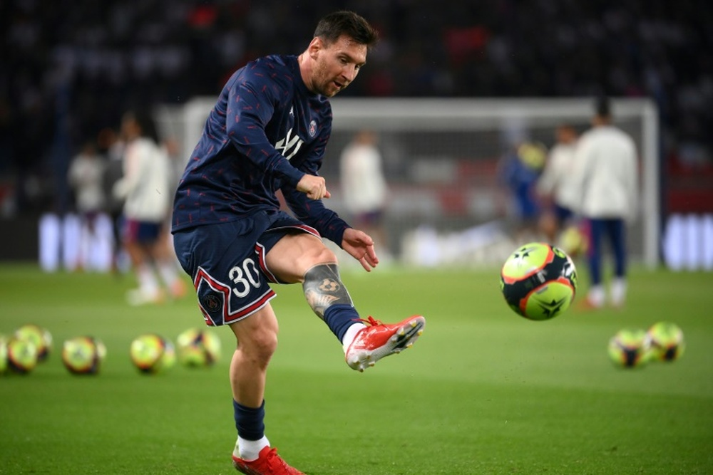 Messi is out of the Metz game with injury. AFP