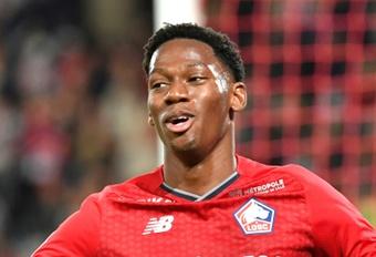 Jonathan David hizo los dos goles. AFP