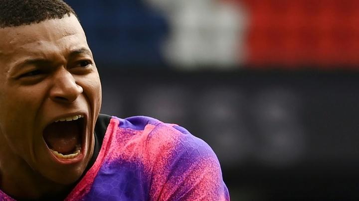 PSG recupera a liderança nos embalos de Mbappé. AFP