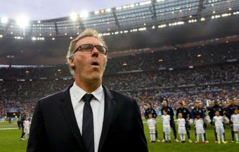 Laurent Blanc criticó la gestión deportiva del Barcelona en los últimos años. AFP