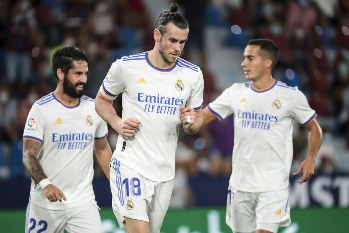 Bale cree que es el mejor del Madrid... jugando al golf. AFP
