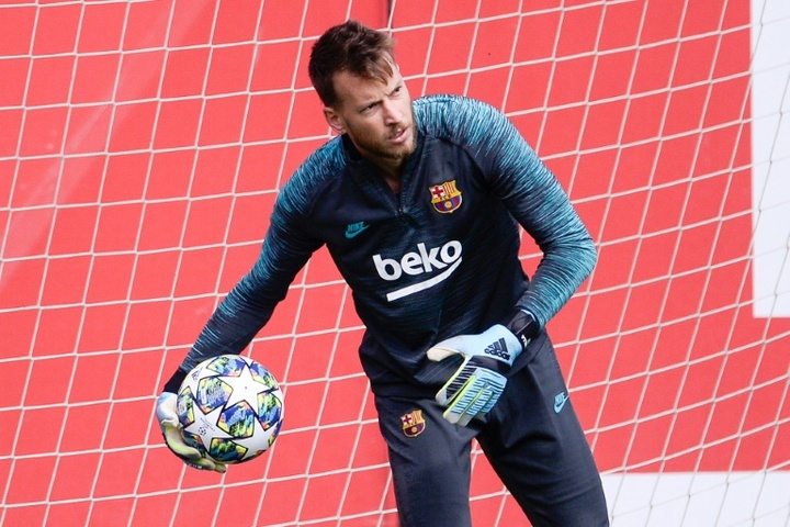 Neto could well leave Barcelona. AFP