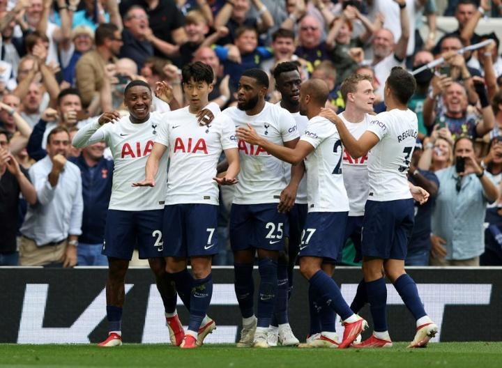 El Tottenham estaría a punto de sumar a Pape Sarr a esta fotografía. AFP
