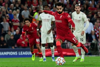 Neville wants to see Salah in LaLiga. AFP