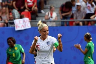 Houghton ya es la séptima con más partidos jugados con Inglaterra. AFP