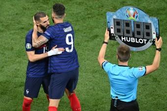 Giroud explicó su relación con Benzema. AFP