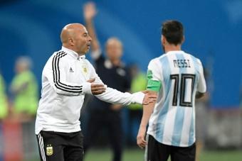 Sampaoli a son idée pour freiner Messi. AFP