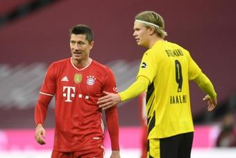 A Lewandowski no le hace gracia el rumor que coloca a Haaland en el Bayern. AFP/Archivo