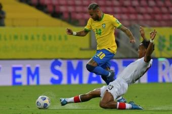 """Entre recordes pela seleção brasileira e as críticas, Neymar desabafa e pede """"respeito"""". AFP"""