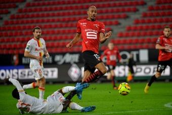 N'Zonzi espera resolver la situación con la Roma para abandonar el club. AFP