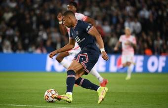 Rothen cree que el PSG no va a ser capaz de renovar al francés. AFP