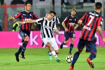El Crotone venció 18-1 al Real Fondo.  AFP