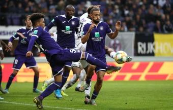 El Anderlecht ganó ante el Standard de Lieja y se coloca quinto en la Liga Belga. AFP/Archivo