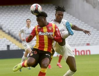Arnaud Kalimuendo volvió al PSG, pero solo para que el club haga caja. AFP/Archivo