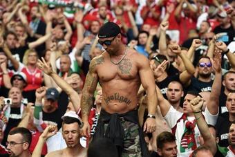 Los hinchas húngaros lanzaron insultos racistas a varios jugadores ingleses. EFE