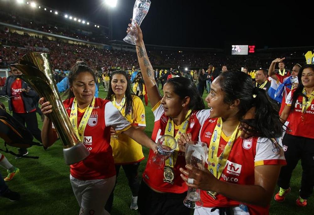 Santa Fe busca revalidar el título en Colombia. EFE