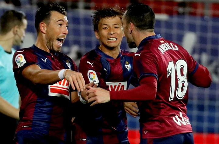 El Eibar se despidió de sus jugadores. EFE