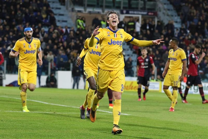 Bernadeschi, De Sciglio y Perin pasarán por las oficinas del Allianz Stadium en breve. EFE