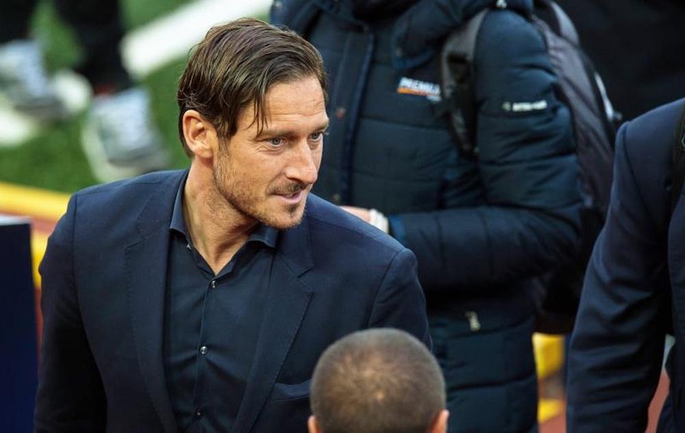 Totti : J'avais parfois un pied au Real et un autre à la Roma. efe