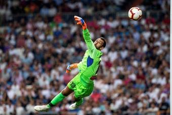 Diego López ya es el 'perico' más longevo de la historia de la Liga. EFE