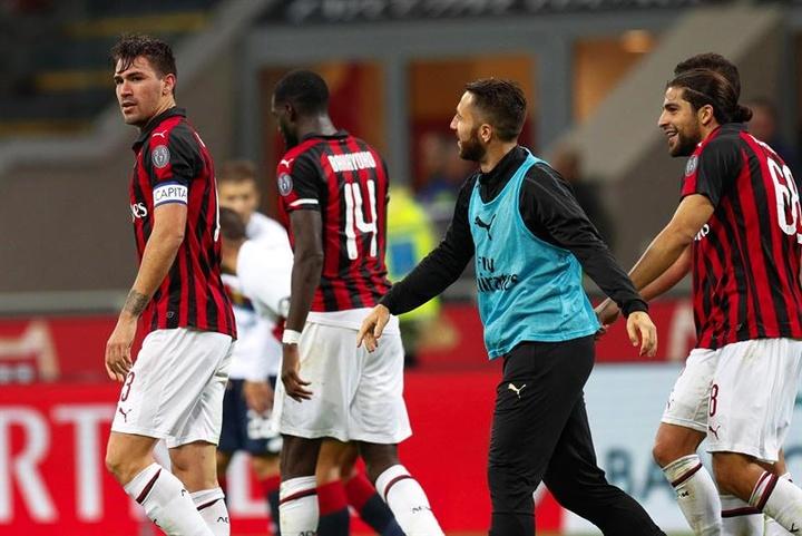 El AC Milan quiere renovar a Romagnoli antes de que Juve o Barça se lo quiten. EFE