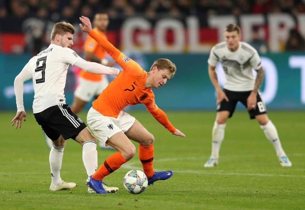 Van der Vaart asumió que De Jong es mejor que Kimmich. EFE