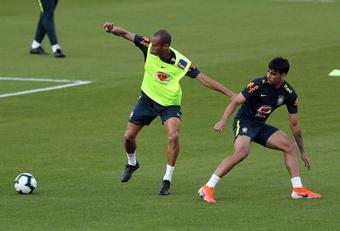 Miranda volta ao São Paulo no clássico com Corinthians. EFE