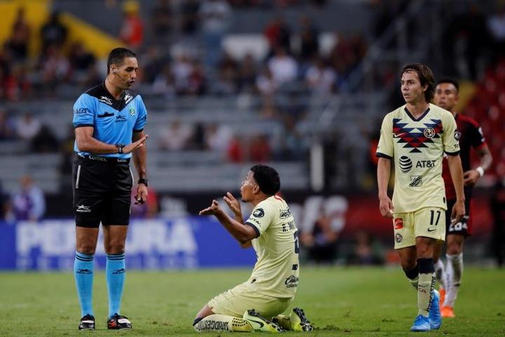 Roger Martínez podría firmar con Boca Juniors. EFE/Archivo