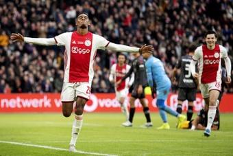 Liverpool et United sur Ryan Gravenberch, pépite de l'Ajax. efe