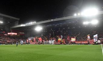 El Atlético no estará solo en Anfield. EFE