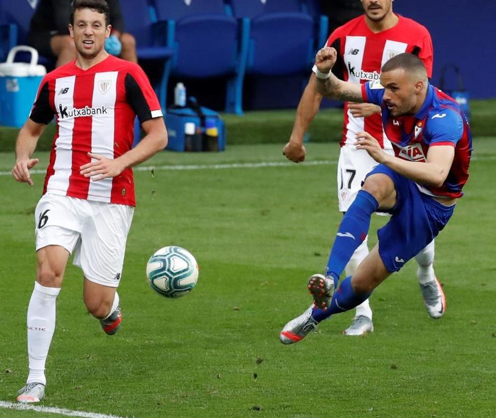 Confira as palavras de Pedro León, que jogou 14 partidas do Real Madrid.  EFE/Javier Etxezarreta
