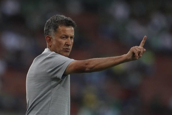 La afición del América cargó contra Osorio. EFE
