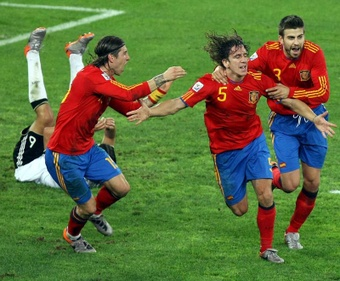 Pour Puyol, Piqué est l'un des meilleurs centraux de l'histoire. efe