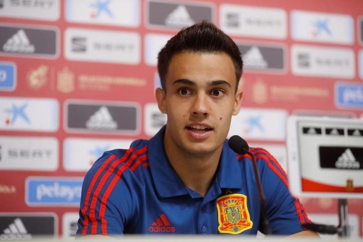 Sergio Reguilón très heureux de l'échange Lamela-Bryan Gil. EFE