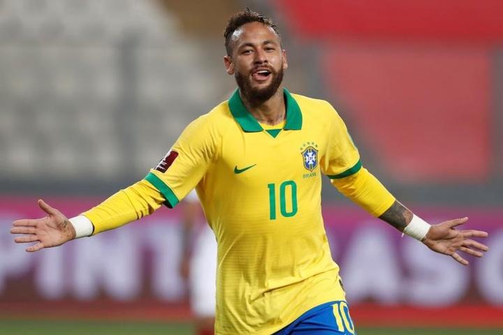 Neymar e Marquinhos saltano i Giochi Olimpici. EFE