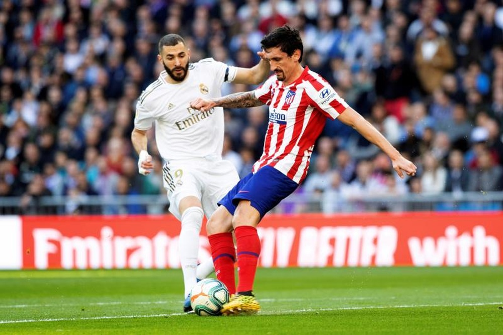 Savic heredó el brazalete de Saúl tras su marcha al Chelsea. EFE
