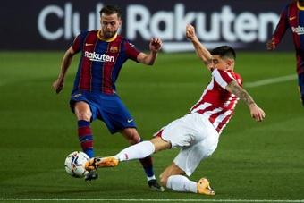 Pjanic deixou o Barça e criticou Koeman. EFE/Alejandro García