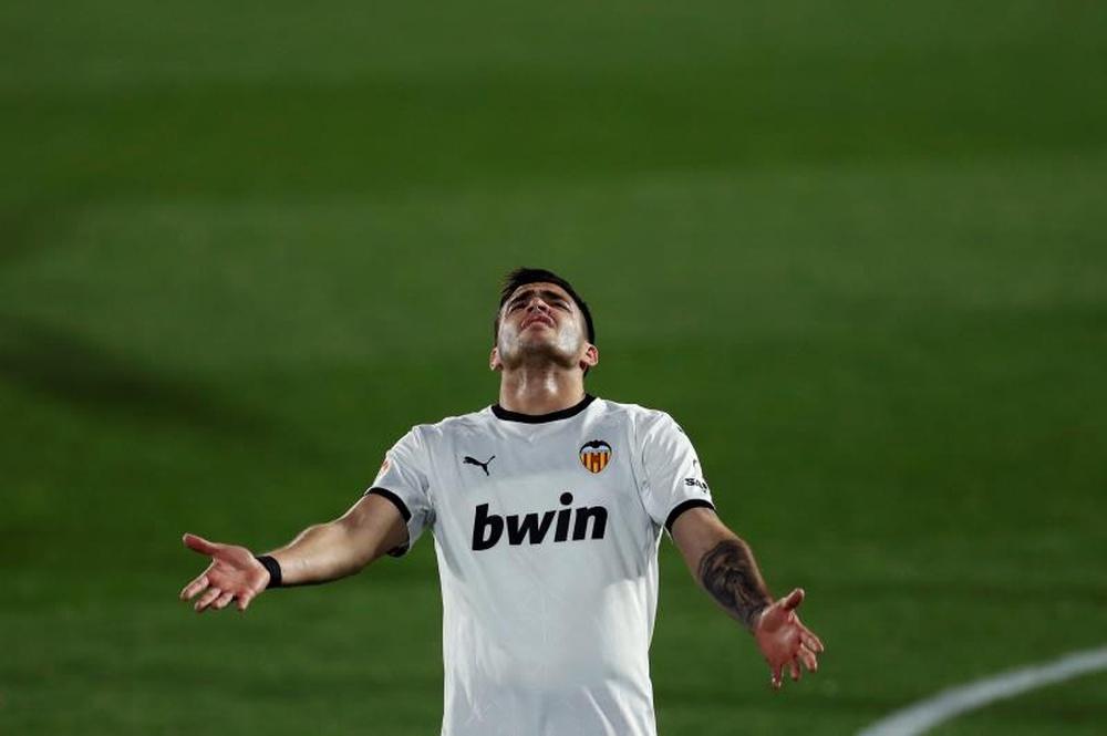 El Valencia rechazó ofertas por Maxi Gómez. EFE
