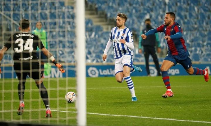 Fenerbahce and West Ham want to sign Januzaj. EFE