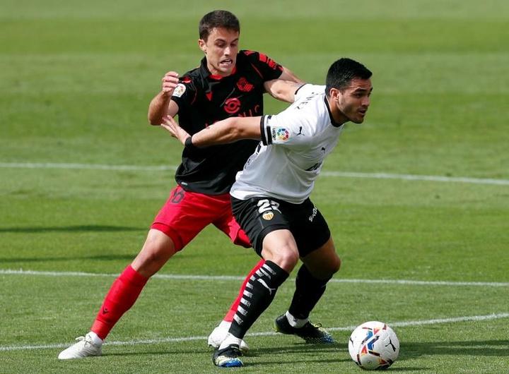 Maxi Gómez es el único '9' con el que cuenta el Valencia. EFE