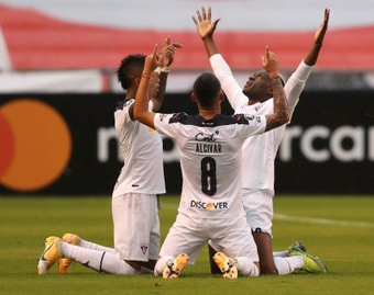 Liga de Quito cedió e Independiente del Valle dio por bueno el punto. EFE