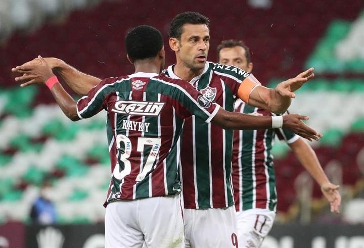 Fluminense encosta no G6 em partida com golaços. AFP