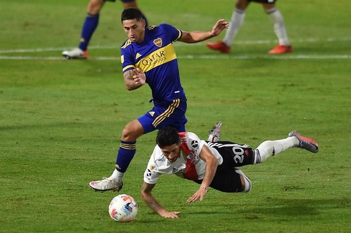Boca y River tendrán que competir para fichar a Juan Edgardo Ramírez del San Lorenzo. EFE