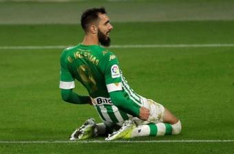 Borja Iglesias agradeció el apoyo de la afición. EFE/Archivo