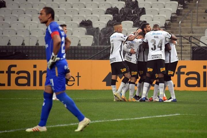 Qual deve ser o futuro de Jemerson após contrato com o Corinthians? EFE/Nelson Almeida